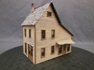HO SCALE WOOD CRAFTSMAN BUILT LAYOUT STRUCTURE/BUILDING STORE SHOP HOUSE BB0198