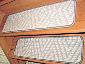 15 Step  9'' x 30'' + 1 Landing  38'' x 30''  Wool Tufted Carpet  Stair Treads .