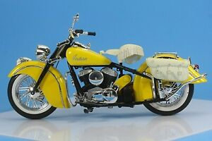 Maisto 1947 Indian Chief Roadmaster Motorcycle Diecast Model. 1/10 Scale.