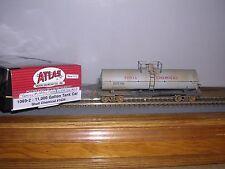 Atlas #1069-2 Shell Chemical 11,000 Gallon Tank Car #1624 Weathered H.O.Gauge