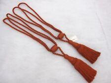 Accessoires embrasses rouge pour rideau et store