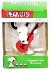 2016 Hallmark Peanuts Snoopy with Guitar Chirstmas Ornament!