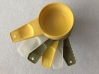 Vintage Tupperware Measuring Cups Green Yellow White Set of 6 Complete