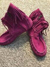 New listing Ugg Kyleigh Girls Hot Pink Suede Sheepskin Fringe Zip Up Moccasin Boots /Us 4