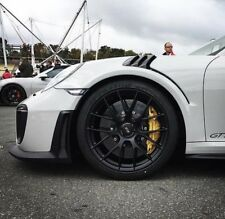 Porsche 991.2 GT2RS Carbon Fenders with Protruding Carbon Louvers 2012 to 2018