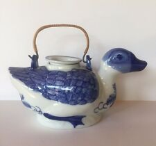 Chinese Porcelain Ceramic Blue White Duck Tea Pot W/Lid Handle