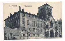 grenoble , place notre-dame , annexe de l'institut et la cathédrale