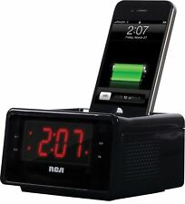 Dual Alarm Clock iPod Charging Station with Digital FM Radio Tuner