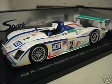 AUDI  R8  LE MANS 2005 # 2 CHAMPION RACING au 1/18 SPARK S1805 voiture miniature