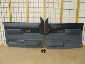 88-94 Chevy GMC C/K Pickup SCOTTSDALE Left Right BLACK GRAY Crank Door Panel SET