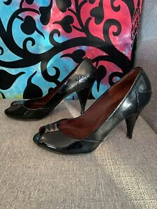 Ted Baker Black Patent Leather Court Peep Toe Size 6