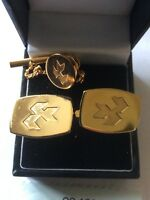 VINTAGE GILDED CUFFLINKS and Matching Tie Pin Set
