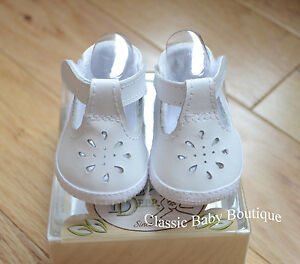 NWT Baby Deer White Genuine Leather T-Strap Booties Crib Shoes Girls 1-3M Size 1
