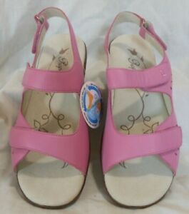 NIB women's PROPÉT TRINIDAD leather sandals - W0300 Hot Pink - size 12 WIDE (D)