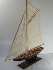 Segelschiff,  77 x 12 x 85 cm, Standmodell aus Holz, Segelboot mit Gaffelsegel
