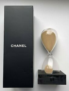 CHANEL HOURGLASS ON BLACK STAND LOGO VIP GIFT