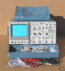Tektronix 2246 100 MHZ Oscilloscope + accessories TEK