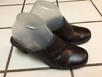 CLARKS Bendables Brown Leather Criss Cross Stitching Clogs Mules _Womens 8 M