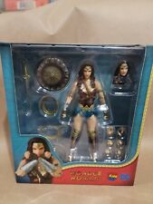 Mafex Wonder Woman Action Figure 048