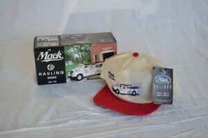 First Gear 19-1454 Mack Hauling Series #104 1960 B Model Pumper With Hat 1/34