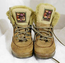 ARAPAHO GENUINE LEATHER HIKING BOOTS LADIES SIZE 7 - BUFFY 2 - VERY LIGHTLY USED