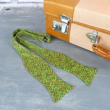 Handmade Self Tie Bow Tie - Retro Green