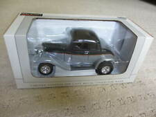 SpecCast 26000 Die Cast  1932 FORD 5 Windows Coupe Collector Bank