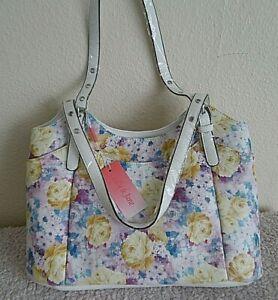 women's  BAG STYLISH LILY&JANE BEAUTIFULLY PRINTED HOLIDAY TRAVEL  GIFT