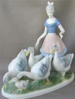 Exquisite Very Large Gerold Porcelain Figurine Goose Girl Tettau Bavaria Germany