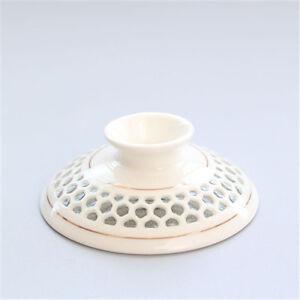 Porcelain lid for gaiwan cellular design handpainted single lid 8cm diameter lid