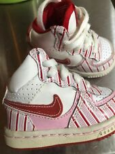 Nike Infant Size 2 Holiday Pink Candy Cane Stripe Sneakers Great For Christmas