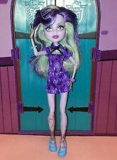 MONSTER HIGH poupée Twyla Coffin Bean, en bon état