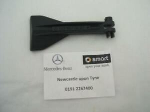 Genuine Mercedes-Benz W163 ML-Class Bonnet Release Handle A1638870227 NEW