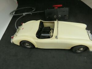 Victory Industries MGA Battery powered Steerable 1/16 scale vintage model