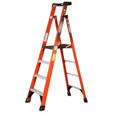 Werner 4 Ft Fiberglass Platform Step Ladder With 300 Lbs Load Capacity Ia Duty