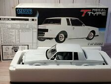 GMP 1986 Buick Regal T Type 1:18 Scale Diecast 8002 Model Car LE White