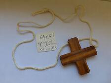ancienne croix en olivier et son cordon Enfant de Coeur , Communion , procession