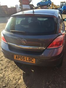 For Breaking- Vauxhall Astra 2005