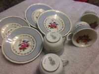 Royal Doulton Ventura Bone Porcelain Set of 4 cups and Saucers with Beautiful Pt