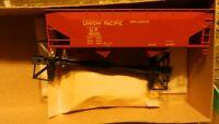 Athearn HO BB 40' Twin Offset Hopper Kit, Union Pacific, NIB