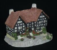 "Vintage 1991 Malcolm Cooper ""The New Inn Pembridge"" Cottage Figurine *Excellent!"