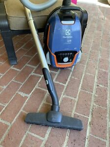 Electrolux Ultraone Vacuum cleaner 7080 silent technology