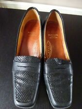 **WOMENS BLACK COURT SHOES**SIZE 6**