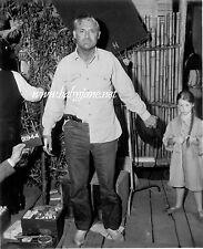 CARY GRANT FATHER GOOSE WARDROBE PHOTO #2