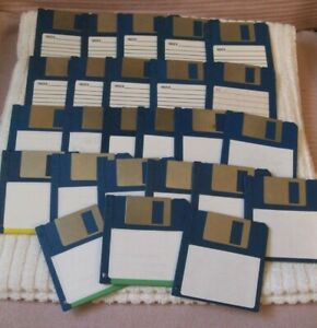 """PC/AMIGA/ATARI DISCS  ** 25 BLANK OR WITH GAMES ON - 3.5"""" FLOPPY DISKS ** USED"""