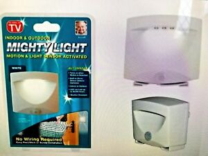 SENSIBLE MOTION SENSOR LIGHT OUTDOOR INDOOR SECURITY CORDLESS NIGHT LAMP