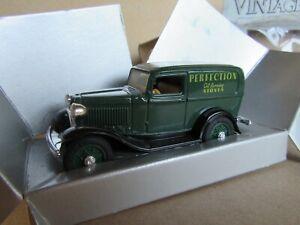 538G ERTL 2504 Ford Panel Van 1934 Perfection 1:43 +Box
