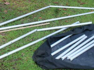 LOT OF MOSS ALUMINUM TRADE SHOW POLES & CASE DISPLAY BUSINESS BOOTH SET UP