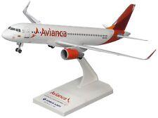 Skymarks SKR762 Avianca Airbus A320 Desk Top Display 1/150 Model Jet Airplane
