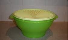 Tupperware Servalier Salad Bowl & Seal in Spring Green Rare 17-cups Brand New